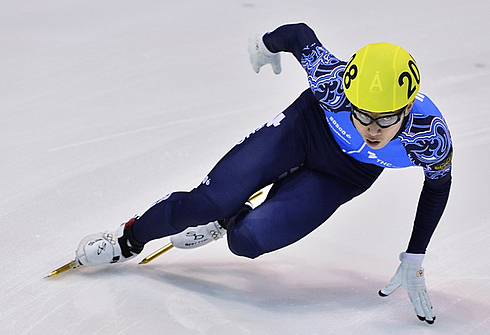 Виктор АН на этапе Кубка мира в Турине. Фото AFP