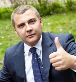 Сергей<br />БУТОВ