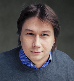Олег<br />КАРПОВ