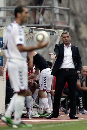 Главный тренер сборной Армении Вардан МИНАСЯН. Фото Reuters