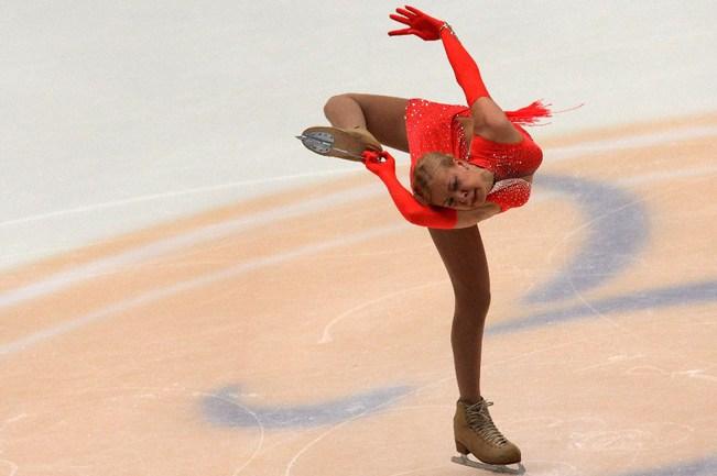 Вчера. Пекин. Cup of China. Короткая программа Анны ПОГОРИЛОЙ. Сегодня россиянка выиграла произвольную программу и стала лучшей по сумме баллов. Фото AFP