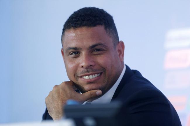Известный в прошлом форвард сборной Бразилии РОНАЛДО. Фото Reuters
