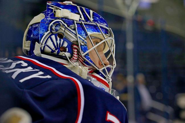 Лучший вратарь минувшего сезона НХЛ Сергей БОБРОВСКИЙ рискует пропустить Олимпиаду в Сочи. Фото AFP