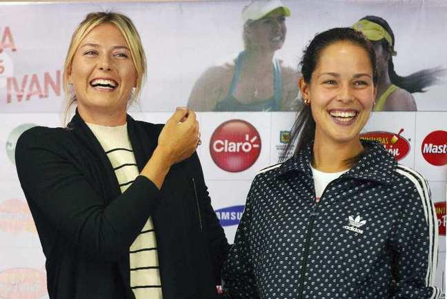 Российская теннисистка Мария ШАРАПОВА (слева) и сербская теннисистка Ана ИВАНОВИЧ. Фото Reuters