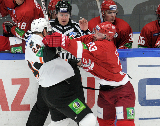 Бранислав МЕЗЕИ (№24). Фото Влалимир БЕЗЗУБОВ, photo.khl.ru
