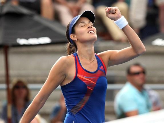 Сегодня. Окленд.Сербская теннисистка Ана ИВАНОВИЧ, празднует победу. Фото AFP