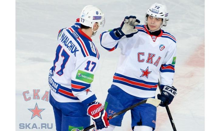 В последних двух матчах Артемий ПАНАРИН (№72) забросил пять шайб. Фото ХК СКА