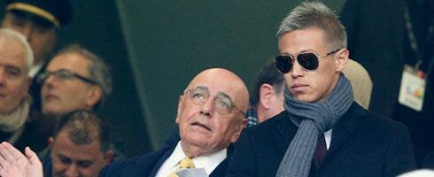 Сегодня. Милан. Адриано ГАЛЛИАНИ и Кейсуке ХОНДА. Фото Football Italia