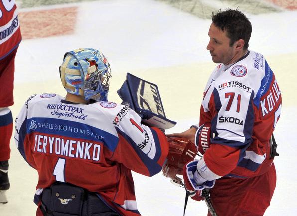 Александр ЕРЕМЕНКО (слева) и Илья КОВАЛЬЧУК: до встречи в Сочи. Фото Татьяна ДОРОГУТИНА, «СЭ»