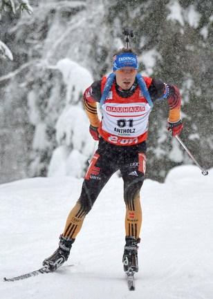 Симон ШЕМП из Германии выиграл гонку преследования на этапе Кубка мира в итальянской Антерсельве. Фото AFP
