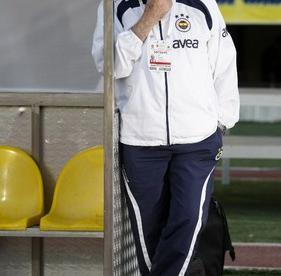 Умер экс-наставник сборной Испании Луис Арагонес
