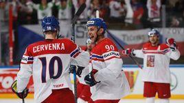 Суббота. Париж. Белоруссия - Чехия - 1:6. Чешские хоккеисты празднуют очередное взятие ворот соперника.