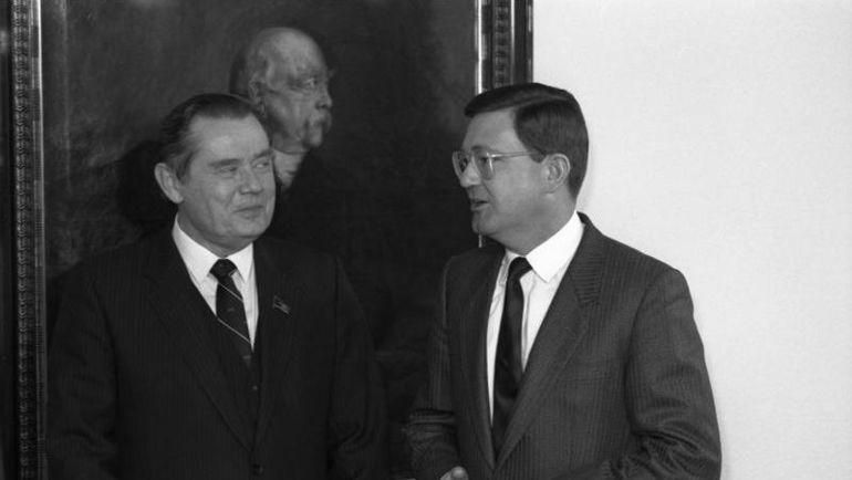 Марат ГРАМОВ (слева). Фото ru.wikipedia.org