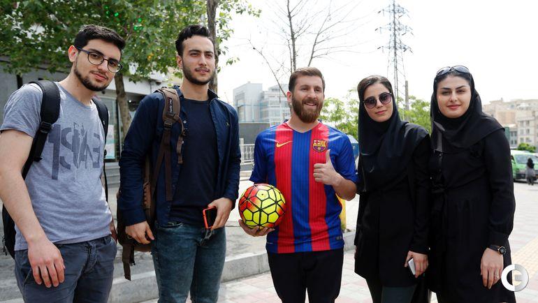 Двойник Лионеля Месси Реза ПАРАСТЕШ на улицах Тегерана.