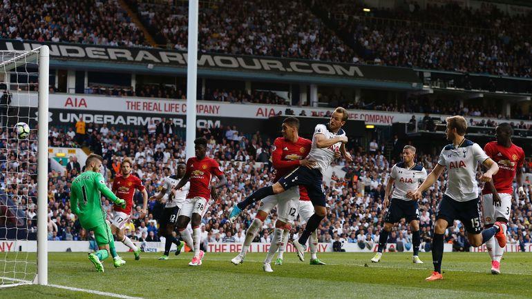 """Сегодня. Лондон. """"Тоттенхэм"""" - """"Манчестер Юнайтед"""" - 2:1. 48-я минута. Гол Харри КЕЙНА (в центре). Фото AFP"""