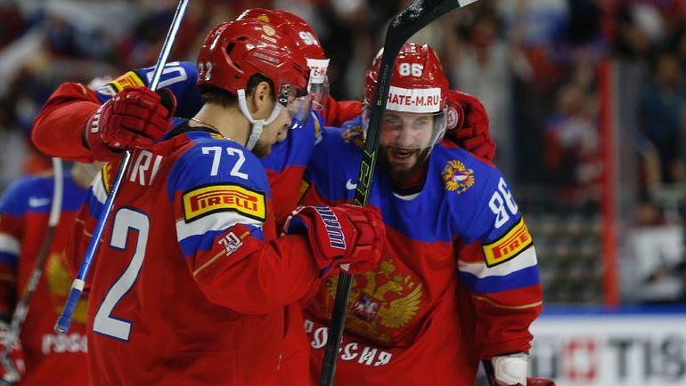 Сегодня. Кельн. Россия - Латвия - 5:0. Никита КУЧЕРОВ (справа) и Артемий ПАНАРИН. Фото Reuters