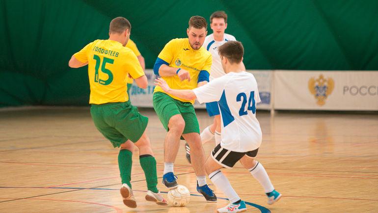 Завершился четвертый тур чемпионата Корпоративной лиги по мини-футболу.