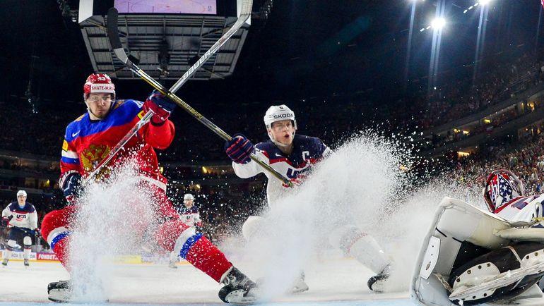 Вторник. Кельн. Россия - США - 3:5. В атаке Валерий НИЧУШКИН. Фото Reuters