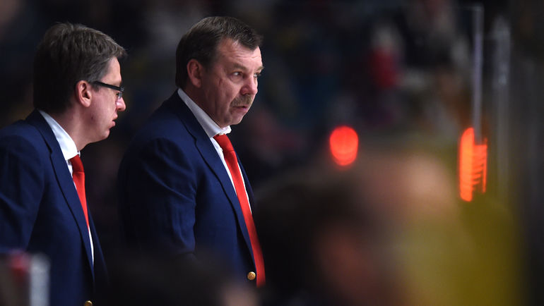 Олег ЗНАРОК (справа) и Харийс ВИТОЛИНЬШ. Фото Юрий КУЗЬМИН, Reuters