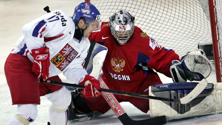 18 мая 2006 года. Рига. Россия - Чехия - 3:4 ОТ. Ярослав ГЛИНКА против Максима СОКОЛОВА. Фото Reuters
