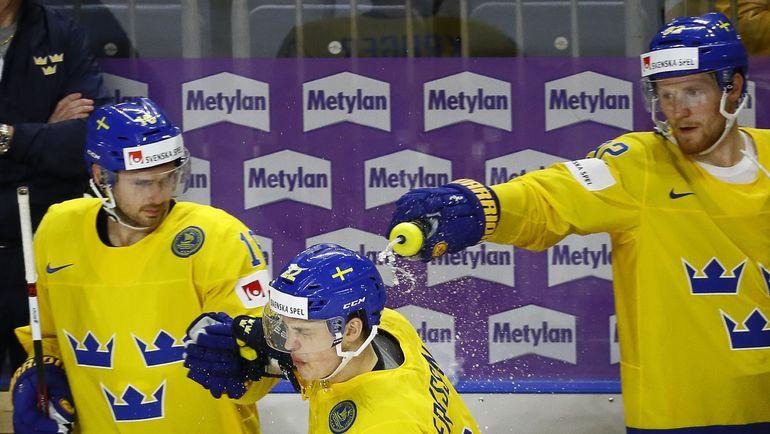 """До старта чемпионата мира шведы считались одними из фаворитов, однако групповой этап """"Тре Крунур"""" провели не совсем гладко. Фото Reuters"""