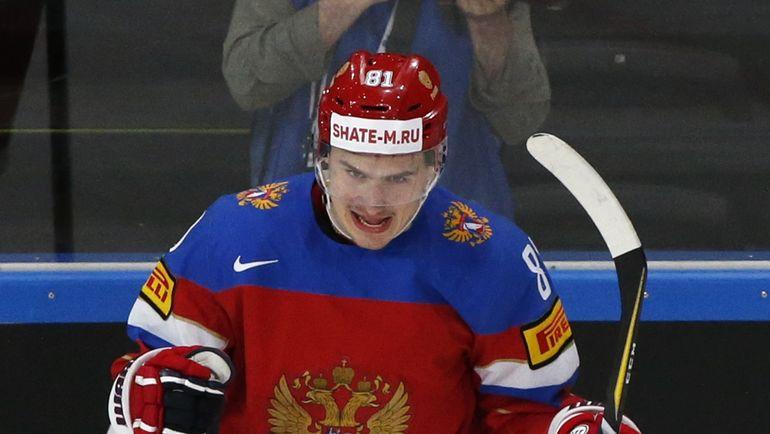 Сегодня. Париж. Россия - Чехия - 3:0. Автор первого гола Дмитрий ОРЛОВ. Фото Reuters