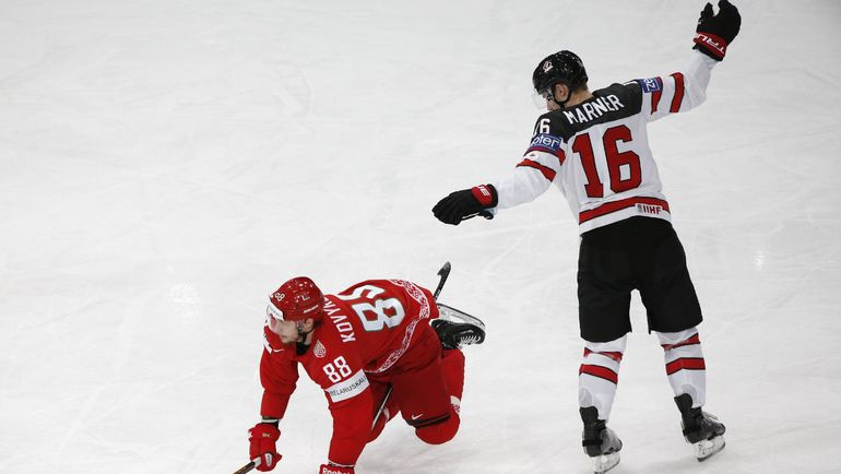 Нападающий сборной Канады Митч МАРНЕР (№16). Фото Reuters
