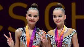 Воскресенье. Будапешт. Сестры Дина (слева) и Арина АВЕРИНЫ собрали все возможное личное золото.