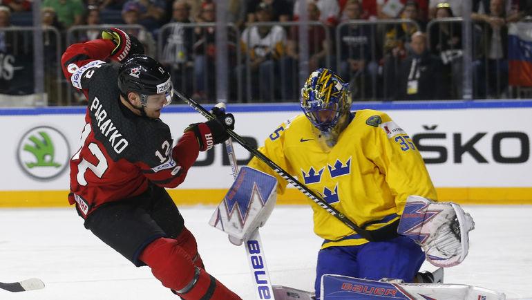 С приездом Хенрика ЛУНДКВИСТА сборной Швеции не проиграла ни одного матча. Фото REUTERS