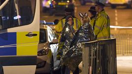 Понедельник. Манчестер. Жертвы теракта.