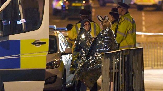 Понедельник. Манчестер. Жертвы теракта. Фото AFP