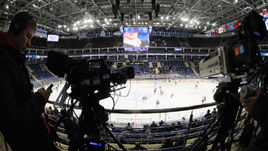 Телевидение не проявляет интерес к КХЛ.