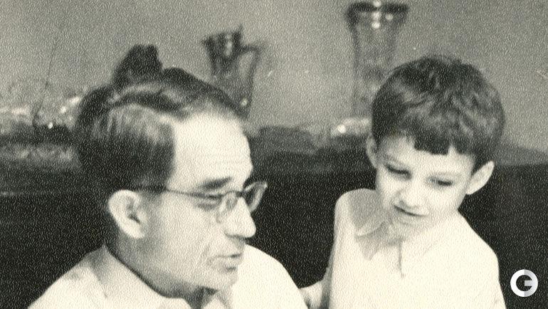 Николай СТАРОСТИН с внуком Мишей.