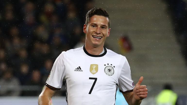 Юлиан ДРАКСЛЕР будет главной звездой Германии в России. Фото Reuters