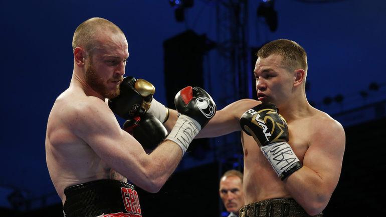 Джордж ГРОУВС (слева) vs Федор ЧУДИНОВ. Фото REUTERS
