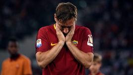 """Сегодня. Рим. """"Рома"""" - """"Дженоа"""" - 3:2. Франческо ТОТТИ попрощался с командой, в которой провел всю карьеру."""