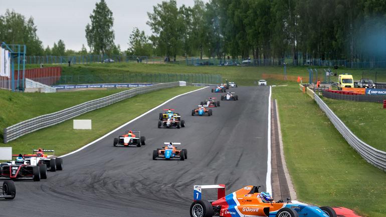 Смоленск. Второй этап Российской серии кольцевых гонок. Фото пресс-служба СМП РСКГ