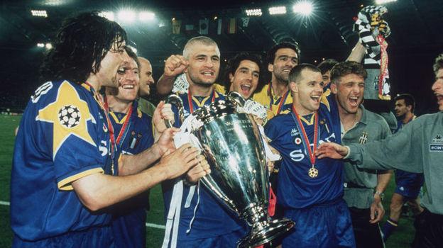 Массимо КАРРЕРА (справа) победитель Лиги чемпионов. Фото Reuters
