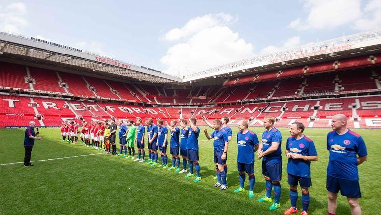 """Предыгровое построение. Фото """"Манчестер Юнайтед"""" и личный архив Игоря РАБИНЕРА"""