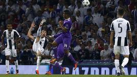 """Суббота. Кардифф. """"Ювентус"""" - """"Реал"""" - 1:4. 27-я минута. Марио МАНДЖУКИЧ забивает самый красивый гол в своей карьере."""