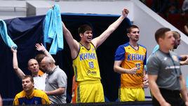 """Игроки """"Химок"""" радуются выходу в финал Единой лиги ВТБ."""