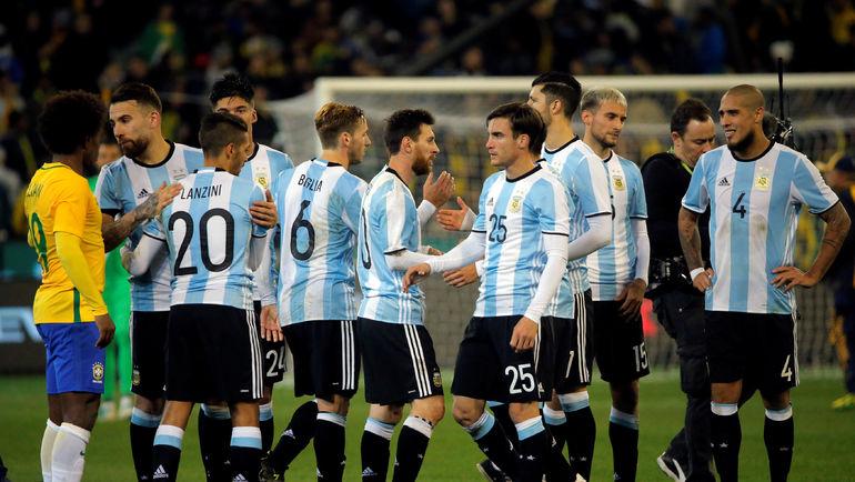 Сегодня. Мельбурн. Бразилия - Аргентина - 0:1. Подопечные Хорхе Сампаоли празднуют победу. Фото Reuters