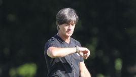 Главный тренер сборной Германии Йоахим ЛЕВ.
