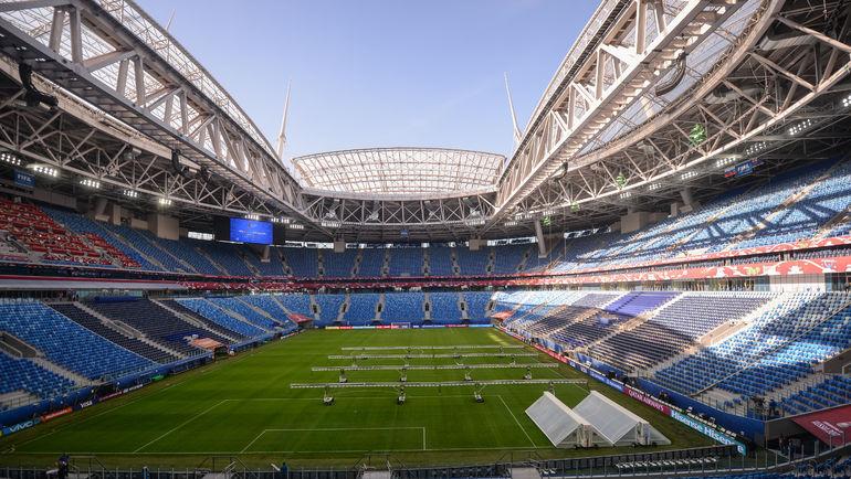 """Новый газон на арене """"Санкт-Петербург"""" более чем достойного качества. Фото Дарья ИСАЕВА, """"СЭ"""""""