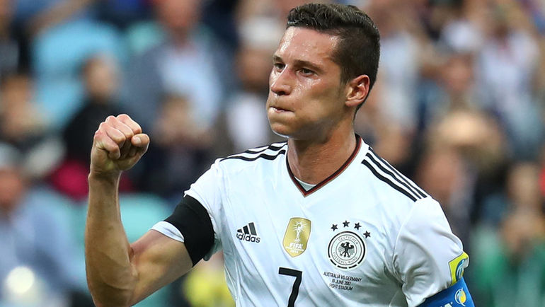Сегодня. Сочи. Австралия - Германия - 2:3. Полузащитник Юлиан ДРАКСЛЕР - 23-летний капитан чемпионов мира. Фото Reuters