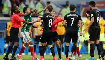 Массовая драка в матче Мексика - Новая Зеландия. Как это было