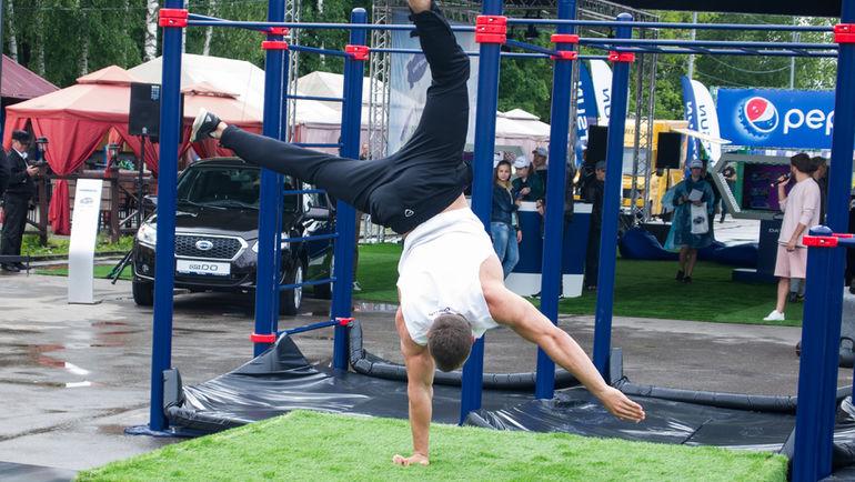 Воркаут становится все более популярным видом спорта в России и мире.