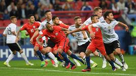 Вчера. Казань. Германия - Чили - 1:1. Накал борьбы был высоким - никто не хотел уступать.