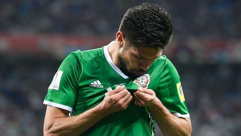 """21 июня. Сочи. Мексика - Новая Зеландия - 2:1. Один из девяти """"домоседов"""" Орибе ПЕРАЛЬТА принес мексиканцам победу в последнем матче. Фото AFP"""