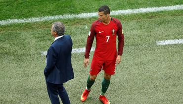 Роналду и Сантуш критикуют поле